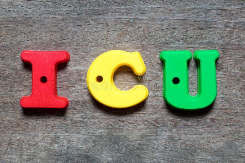 Αλφάβητο χρώματος στη σύντμηση λέξης ICU της μονάδας εντατικής στοκ φωτογραφίες