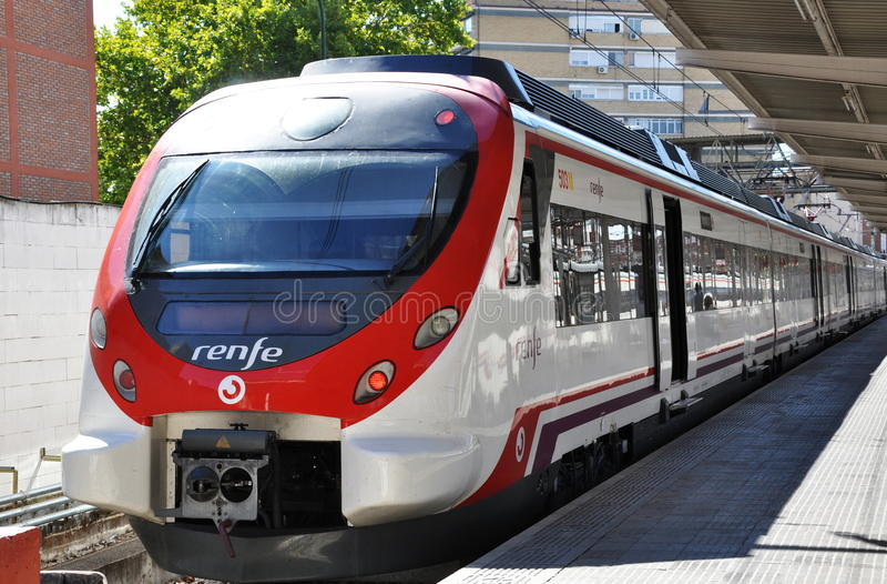 Αμαξοστοιχία περιφερειακού σιδηροδρόμου Cercanias στοκ φωτογραφίες
