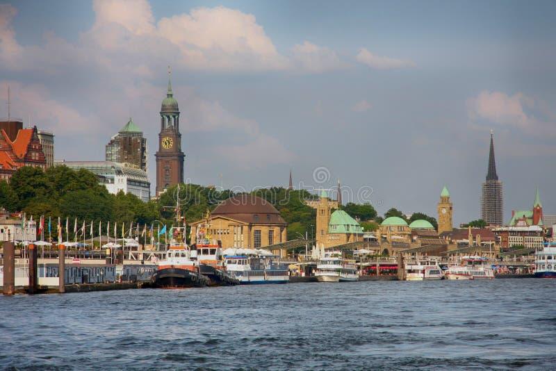 Αμβούργο, Γερμανία - 28 Ιουλίου 2014: Άποψη του τοπίου του Αμβούργο ` s στοκ φωτογραφία με δικαίωμα ελεύθερης χρήσης
