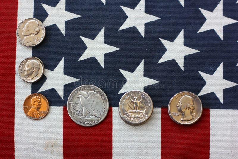 Αμερικανικά νομίσματα Αμερικανικές κυκλοφορημένες χρήματα παγκόσμιες άγρια περιοχές χρήματα για την πληρωμή, αποταμίευση, νομική  στοκ εικόνες με δικαίωμα ελεύθερης χρήσης