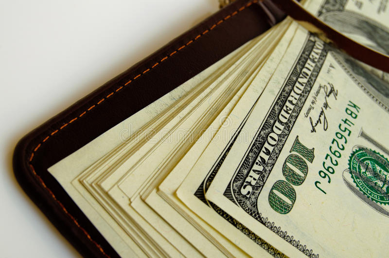 Αμερικανικά δολάρια σε ένα πορτοφόλι στοκ φωτογραφίες με δικαίωμα ελεύθερης χρήσης