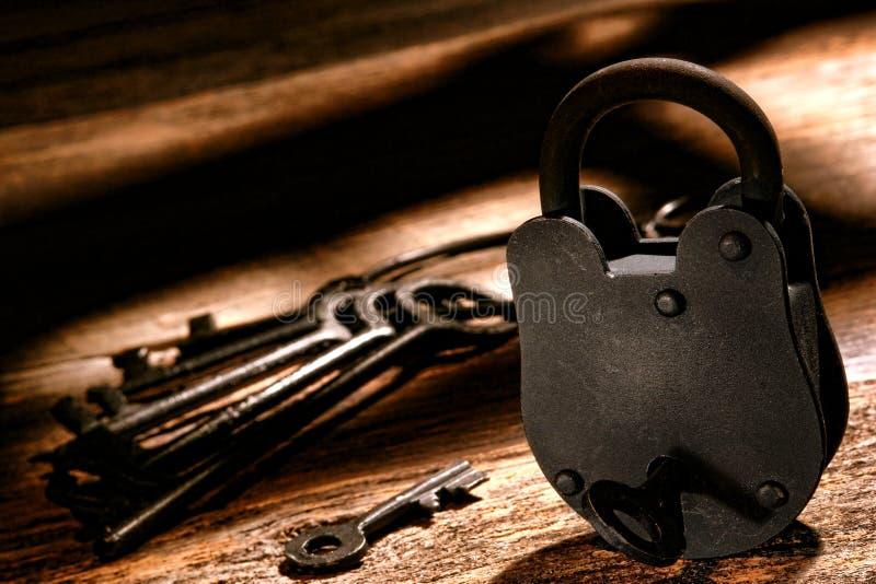 Αμερικανική κλειδαριά δυτικών φυλακών και δυτικά κλειδιά φυλακών στοκ φωτογραφίες