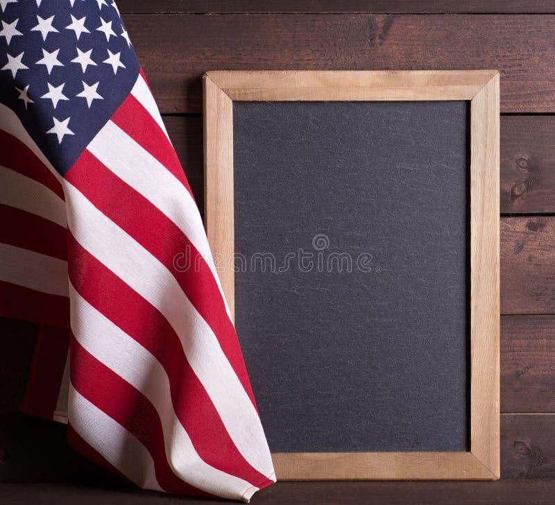 Αμερικανική σημαία με τον πίνακα στοκ εικόνες με δικαίωμα ελεύθερης χρήσης
