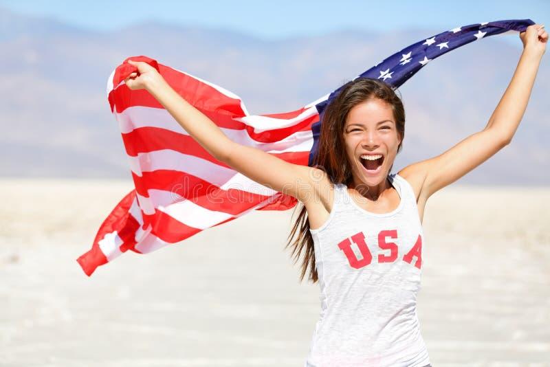 Αμερικανική σημαία - νικητής αθλητών ΑΜΕΡΙΚΑΝΙΚΟΥ αθλητισμού γυναικών στοκ εικόνες