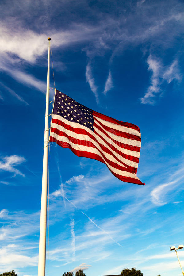 Αμερικανική σημαία στο μισό-προσωπικό στοκ φωτογραφίες