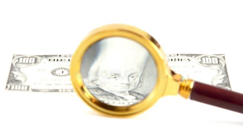 Αμερικανικός στενός επάνω δολαρίων με μια ενίσχυση - γυαλί στοκ φωτογραφίες