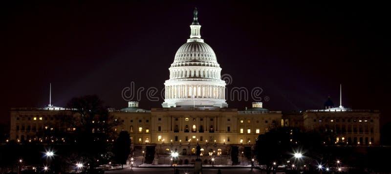 Αμερικανικό κεφάλαιο τη νύχτα στοκ φωτογραφία