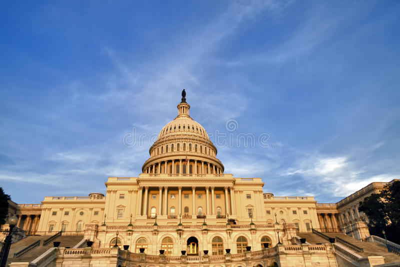 Αμερικανικό συνέδριο στο ηλιοβασίλεμα στοκ εικόνες με δικαίωμα ελεύθερης χρήσης