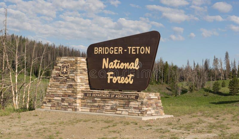 Αμερικανικό τμήμα εθνικών δρυμός bridger-Teton ευπρόσδεκτων σημαδιών γεωργίας στοκ φωτογραφία