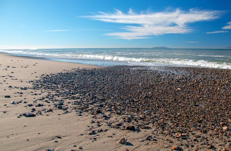 Αμμοχάλικο στην παραλία στο κρατικό πάρκο McGrath σε Oxnard Καλιφόρνια ΗΠΑ στοκ φωτογραφίες