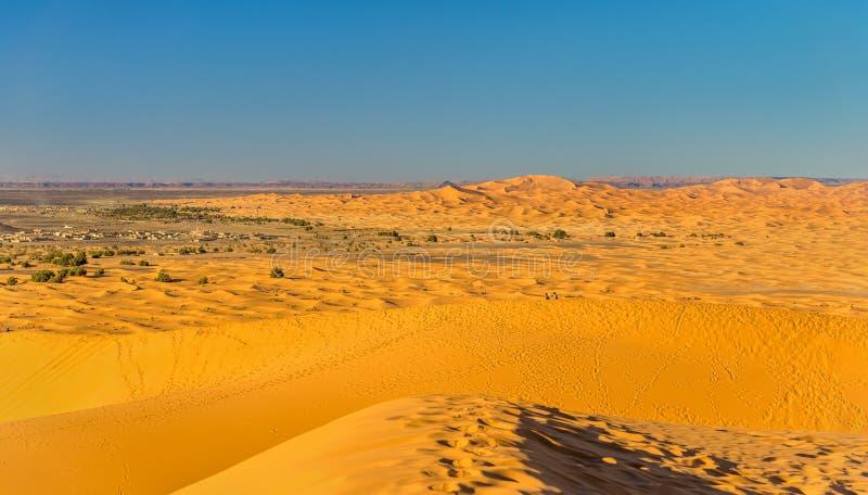 Αμμόλοφοι Erg Chebbi κοντά σε Merzouga στο Μαρόκο στοκ φωτογραφίες με δικαίωμα ελεύθερης χρήσης