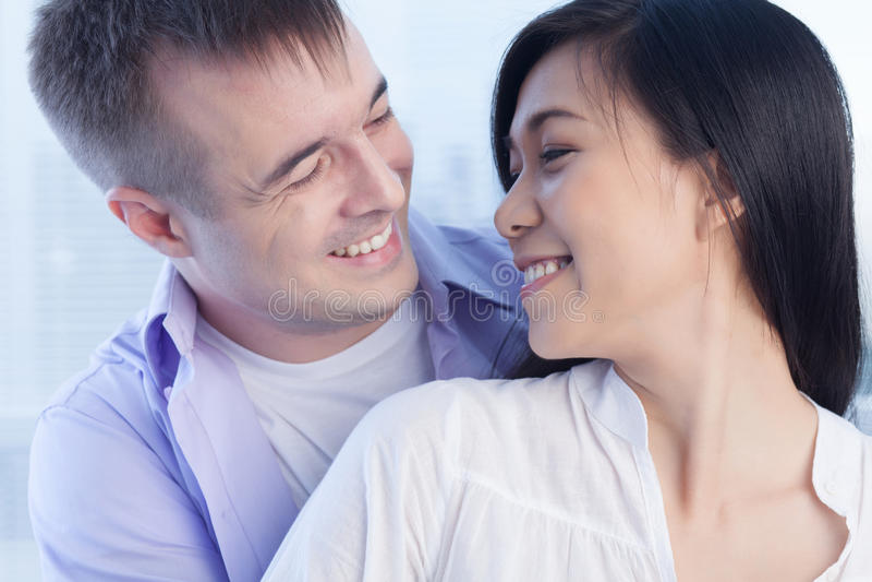 Αμοιβαία ευτυχία στοκ φωτογραφία με δικαίωμα ελεύθερης χρήσης
