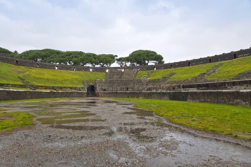 Αμφιθέατρο στην αρχαία ρωμαϊκή πόλη της Πομπηίας, Ιταλία στοκ φωτογραφία με δικαίωμα ελεύθερης χρήσης