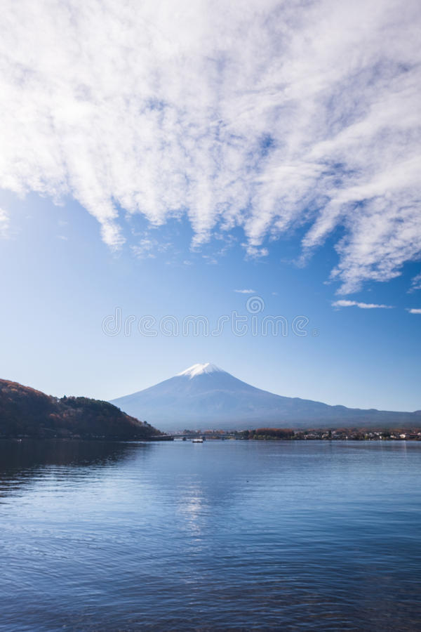 ΑΜ Όρος Φούτζι το φθινόπωρο στοκ εικόνες