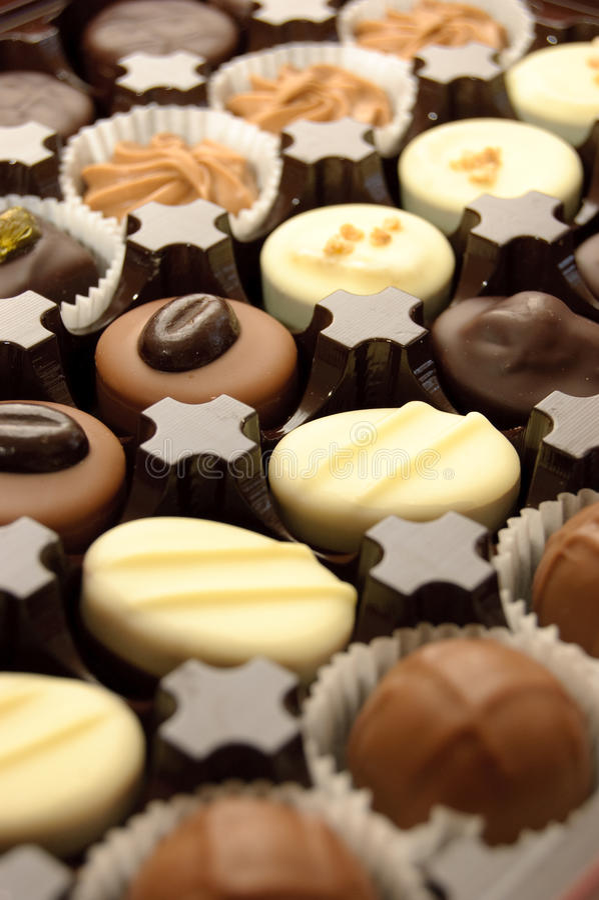 Download ανάμεικτες σοκολάτες στοκ εικόνα. εικόνα από επιδόρπιο - 13188619