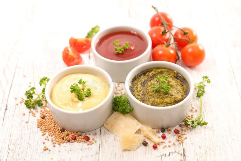 Ανάμεικτη σάλτσα και εμβύθιση στοκ φωτογραφία με δικαίωμα ελεύθερης χρήσης