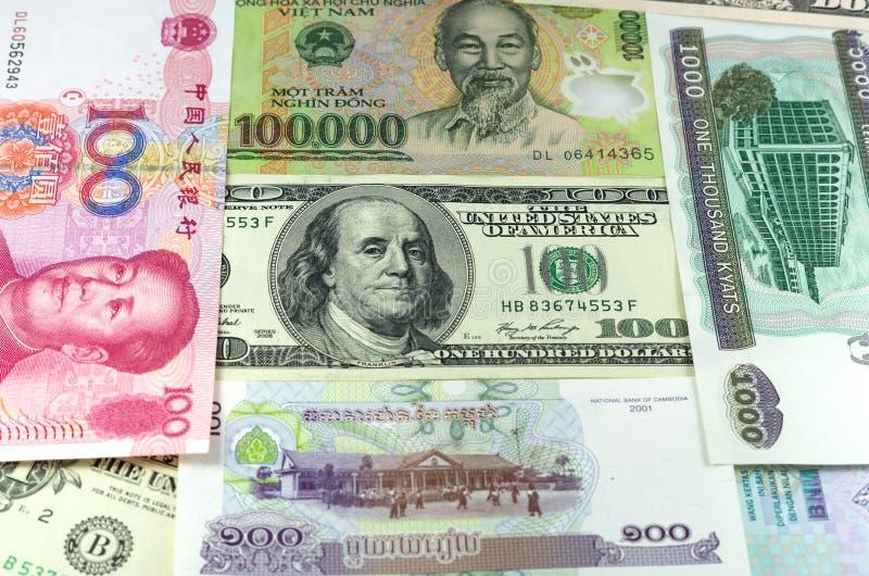 Ανάμεικτος διεθνής στενός επάνω χρημάτων εγγράφου στοκ φωτογραφία με δικαίωμα ελεύθερης χρήσης