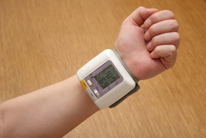 αναγνώστης πίεσης του αίματος στοκ εικόνα με δικαίωμα ελεύθερης χρήσης