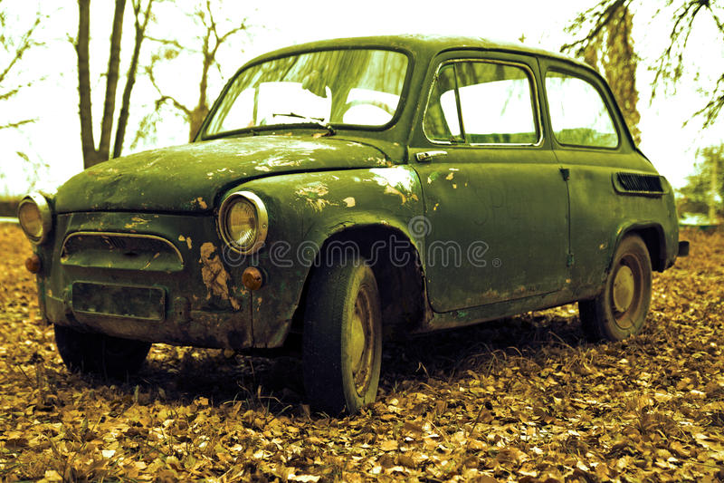 Αναδρομικό αυτοκίνητο Grunge στοκ φωτογραφία με δικαίωμα ελεύθερης χρήσης