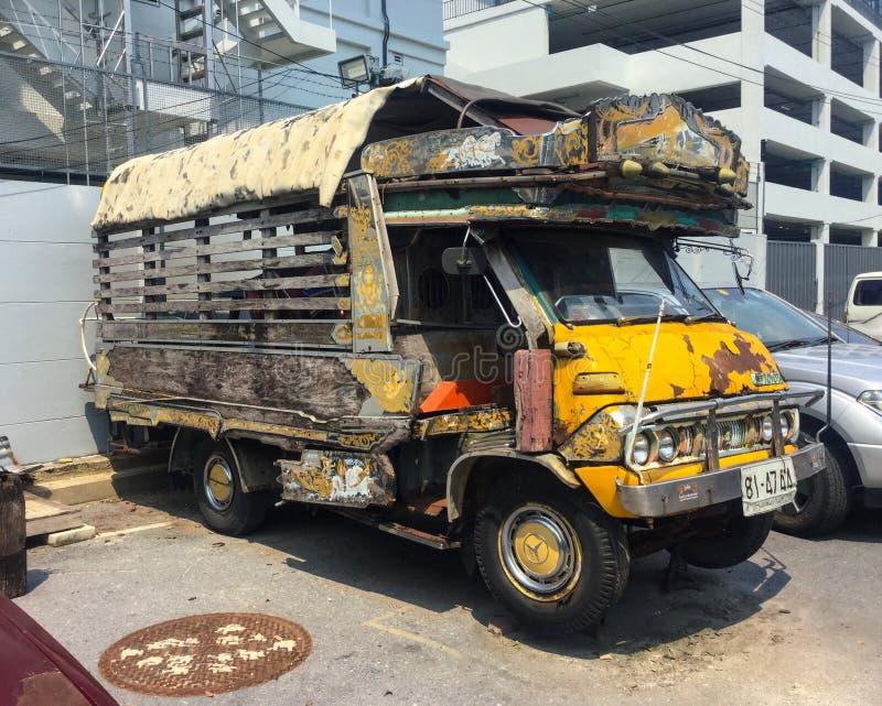 Αναδρομικό αυτοκίνητο Toyota Dyna U10 στοκ εικόνες