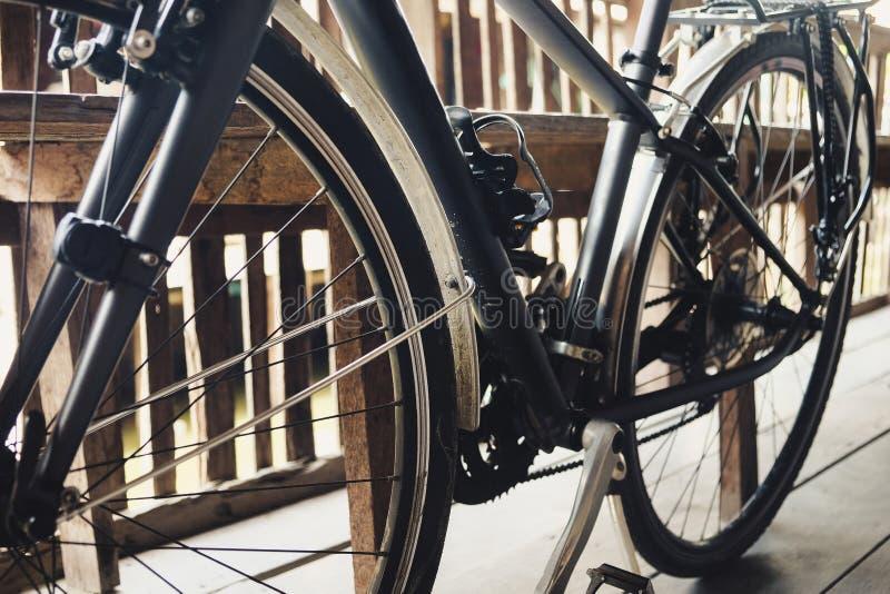 Αναδρομικό εκλεκτής ποιότητας ποδήλατο στοκ εικόνα