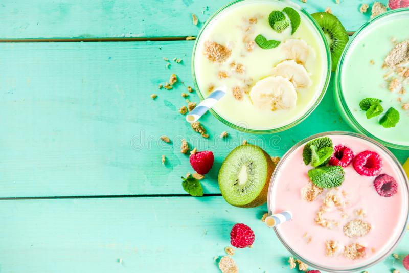 Αναζωογόνηση milkshakes ή καταφερτζήδες στοκ εικόνες