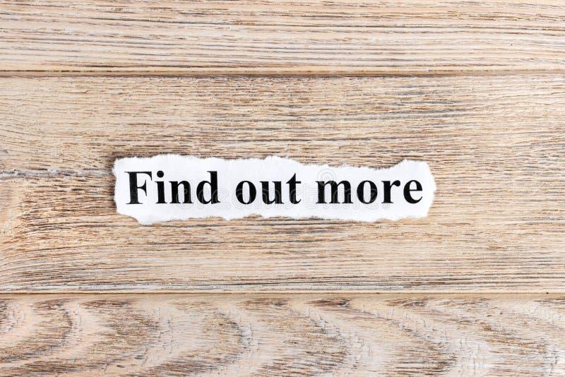 Ανακαλύψτε περισσότερο κείμενο σε χαρτί Η λέξη ανακαλύπτει περισσότεροι σε σχισμένο χαρτί σωστό μόνιμο κείμενο υπολοίπου εικόνας  στοκ εικόνες