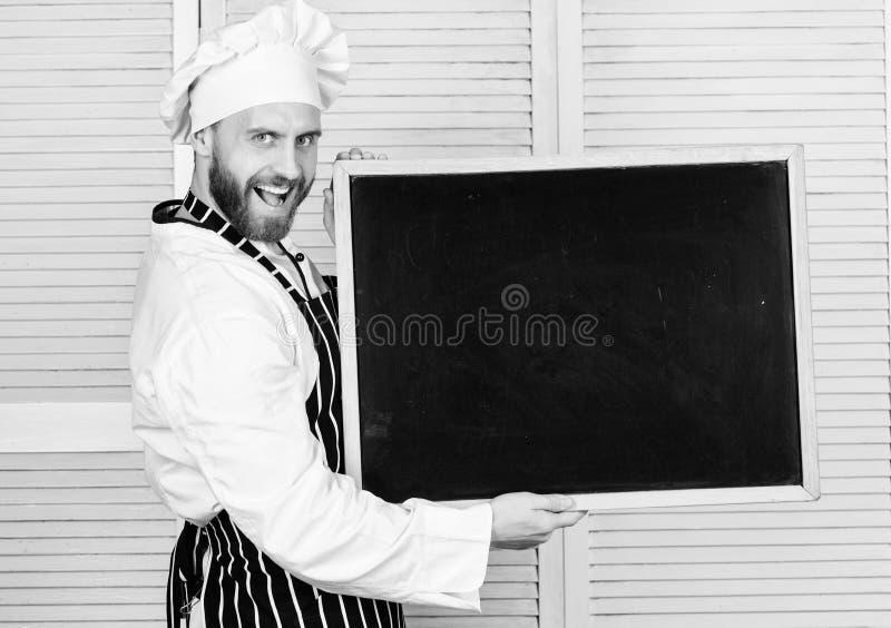 Ανακαλύψτε το καλύτερο εκπαιδευτικό πρόγραμμα Κύριος μάγειρας που δίνει τη μαγειρεύοντας κατηγορία Εκπαίδευση του μαγειρέματος κα στοκ εικόνες