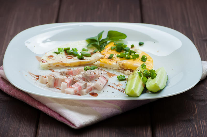 Ανακατωμένα αυγά και λαχανικά στοκ εικόνα με δικαίωμα ελεύθερης χρήσης