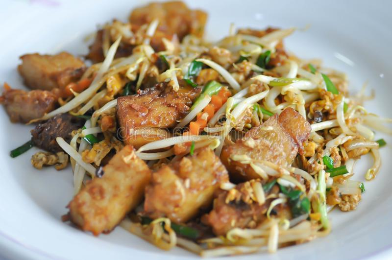 Ανακατώνω-τηγανισμένο tofu με το λαχανικό στοκ εικόνα