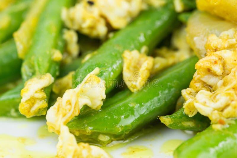Ανακατώστε τα τηγανισμένα πράσινα φασόλια Β στοκ εικόνες