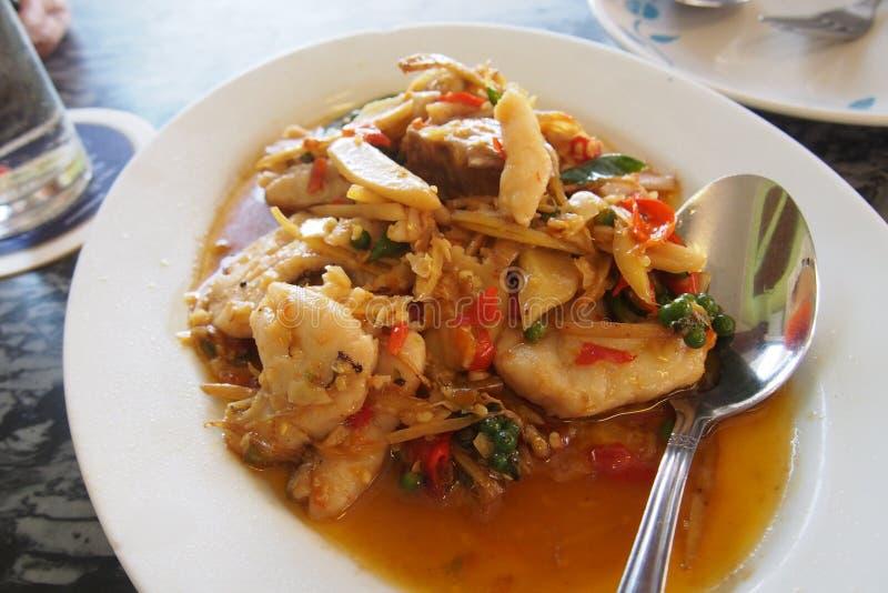 Ανακατώστε τα τηγανισμένα grouper ψάρια στοκ φωτογραφία με δικαίωμα ελεύθερης χρήσης