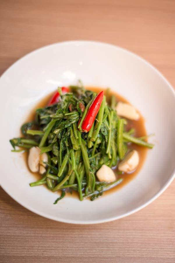 Ανακατώστε τηγανισμένος του ταϊλανδικού ύφους δόξας πρωινού στοκ εικόνες