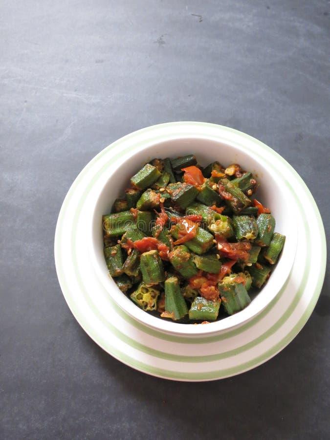 Ανακατώστε τηγανισμένο Okra στοκ φωτογραφία με δικαίωμα ελεύθερης χρήσης