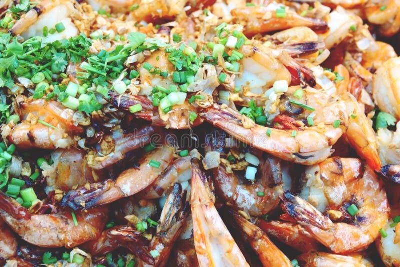 Ανακατώστε την τηγανισμένη γαρίδα τιγρών με το σκόρδο, ταϊλανδικά τρόφιμα στοκ φωτογραφίες με δικαίωμα ελεύθερης χρήσης