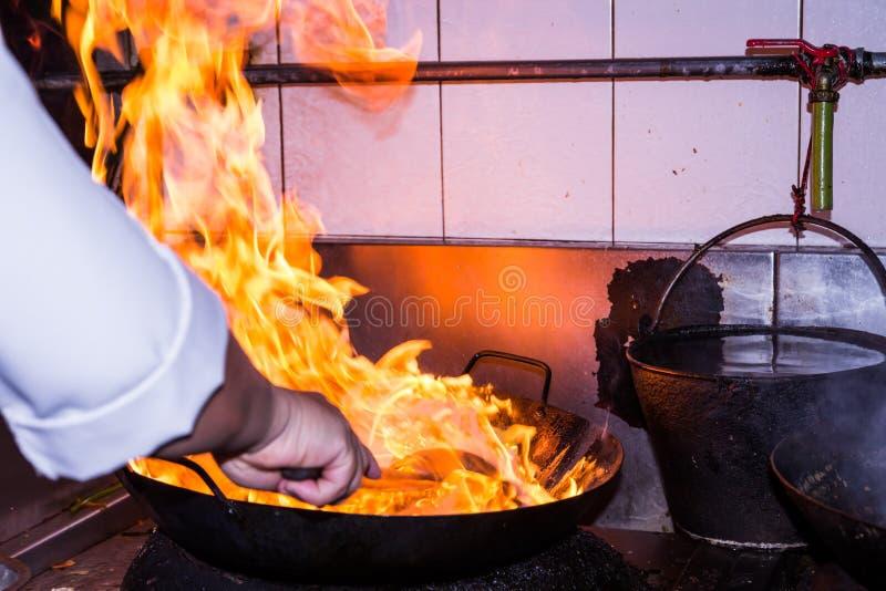 Ανακατώστε το μαγείρεμα πυρκαγιάς στοκ φωτογραφίες με δικαίωμα ελεύθερης χρήσης