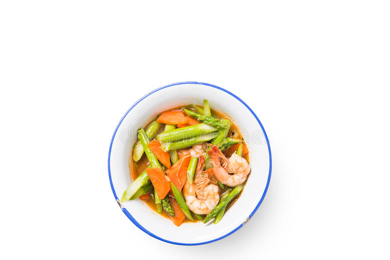 Ανακατώστε το τηγανισμένο καρότο σπαραγγιού με τις γαρίδες στοκ εικόνες