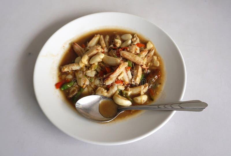 Ανακατώστε το τηγανισμένο κρέας καβουριών με το σκόρδο και cayanne το τσίλι στοκ φωτογραφία με δικαίωμα ελεύθερης χρήσης