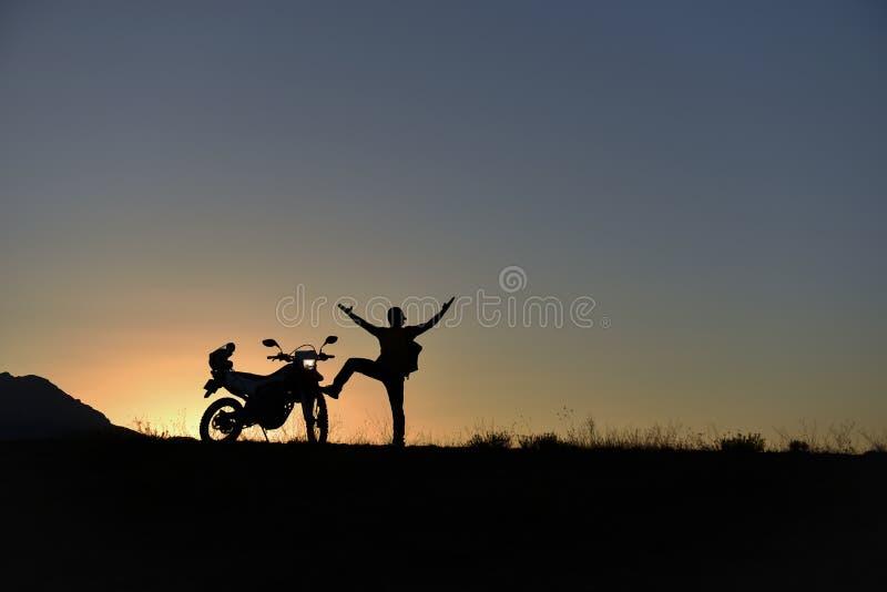 Ανακαλύψτε τις μοτοσικλέτες με την επίσκεψη των διαφορετικών θέσεων στοκ φωτογραφία