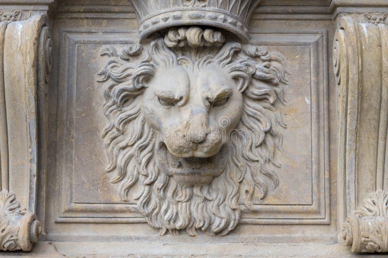 Ανακούφιση αγαλμάτων λιονταριών pitti palazzo Florenze bas στοκ εικόνα
