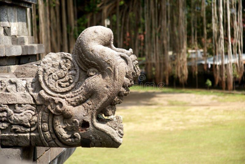Ανακούφιση και γλυπτό στο ναό Mendut στοκ εικόνες