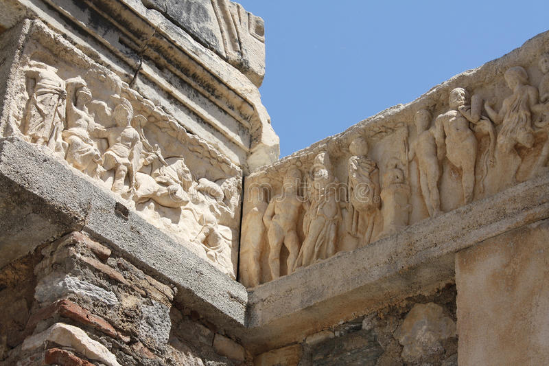 Ανακούφιση Bas στο ναό του Αδριανού στοκ φωτογραφίες με δικαίωμα ελεύθερης χρήσης
