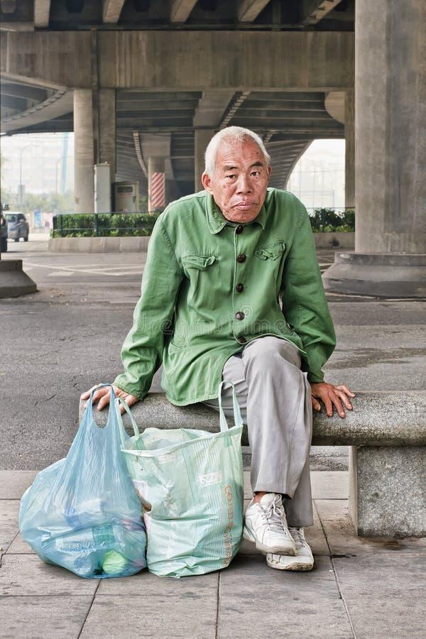 Ανακυκλώσιμος συλλέκτης απορριμμάτων που έχει ένα κενό, Guangzhou, Κίνα στοκ εικόνα
