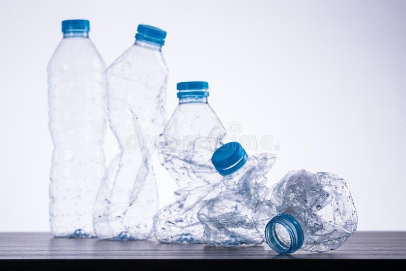 Ανακυκλώστε τα μπουκάλια χρησιμοποιούμενα στοκ φωτογραφίες