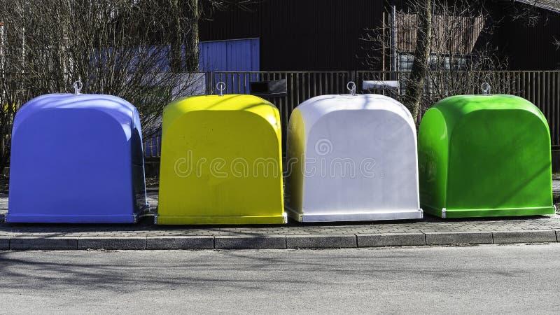 ανακύκλωσης ανακύκλωση απεικόνισης δοχείων στοκ εικόνα