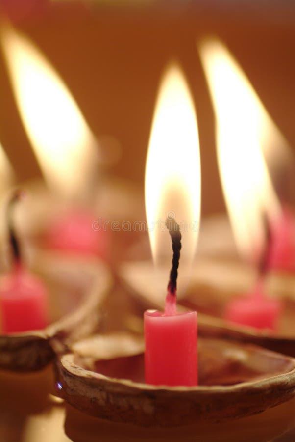 αναμμένα κεριά κοχύλια επάν στοκ εικόνα με δικαίωμα ελεύθερης χρήσης