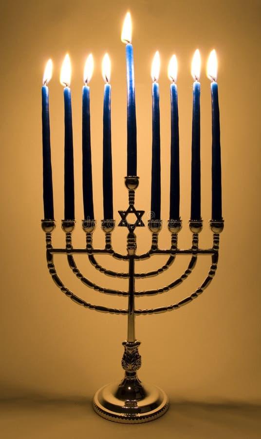αναμμένος menorah στοκ φωτογραφία με δικαίωμα ελεύθερης χρήσης