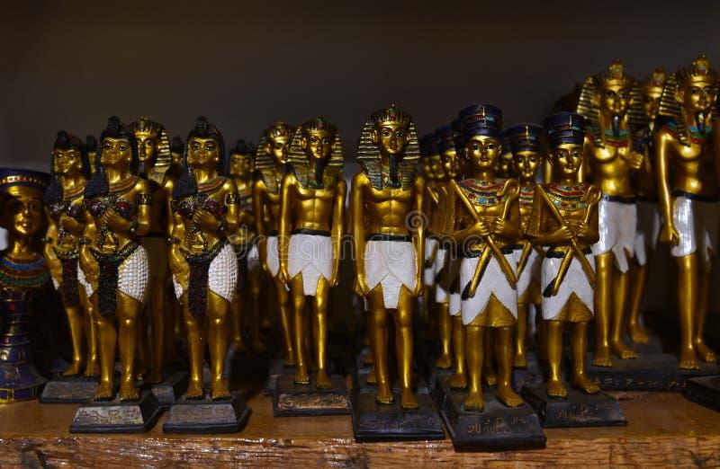 Αναμνηστικά της Αιγύπτου για τα αγάλματα πώλησης pharaoh στοκ εικόνα με δικαίωμα ελεύθερης χρήσης