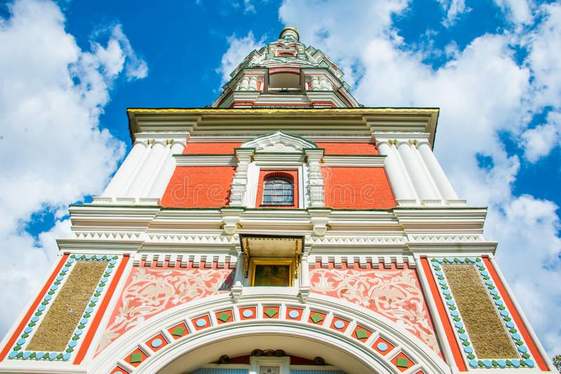 Αναμνηστική εκκλησία Shipka στη Βουλγαρία - κλείστε αυξημένος στοκ φωτογραφία