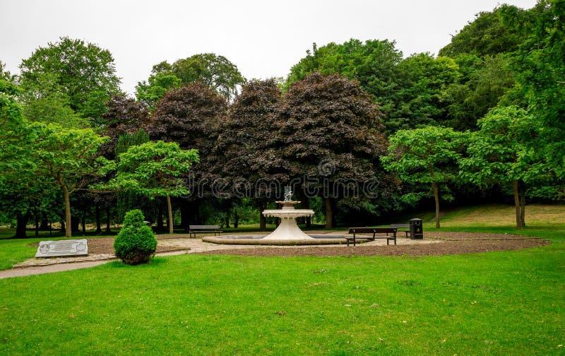 Αναμνηστική πηγή νερού σανού του Malcolm Vivian στο πάρκο Seaton, Αμπερντήν, Σκωτία στοκ εικόνα